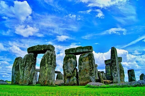 Stonehenge bei heiterem Wetter