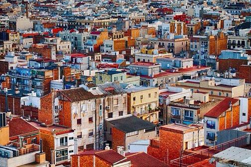 Häusermeer, bunte Häuser einer großen Stadt